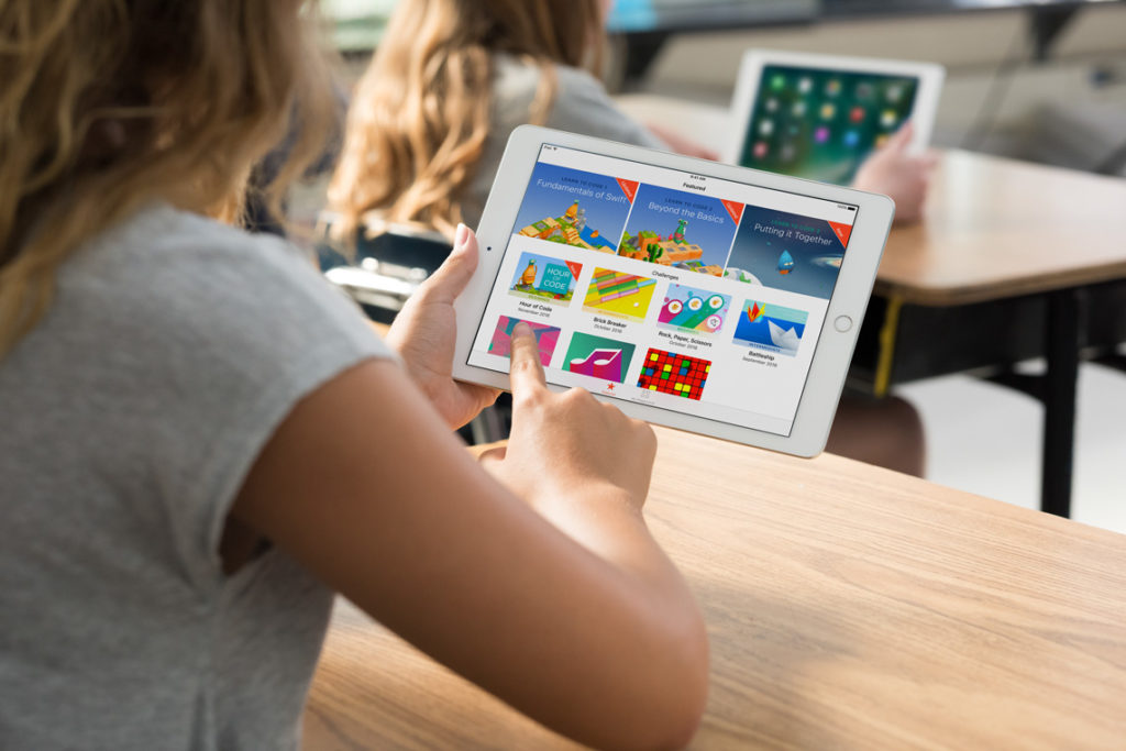 Swift Playgrounds a Scuola in Classe per Coding e Robotica Educativa