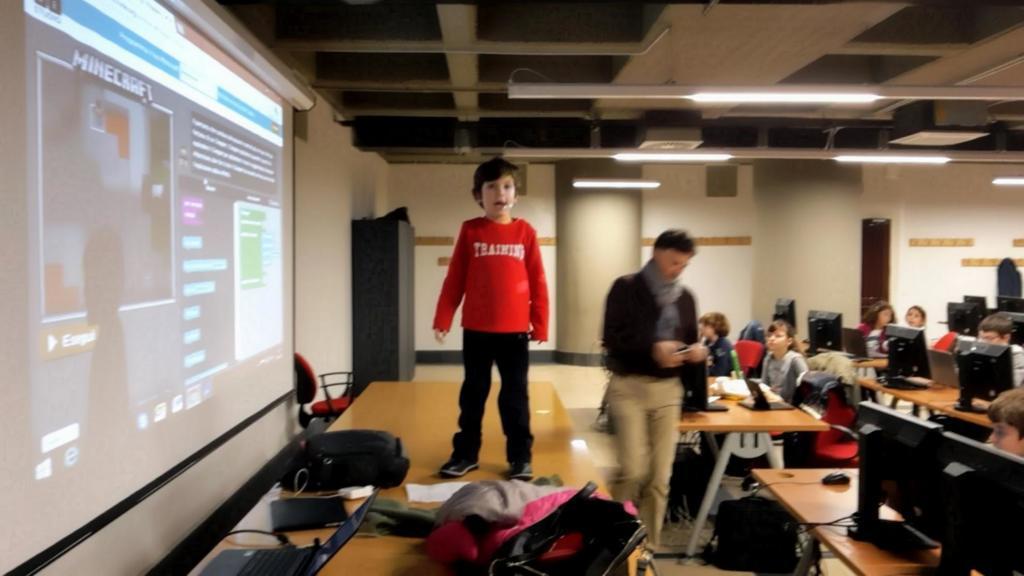 CoderDojo un Baby Mentor in cattedra per attività con CODE.Org e Minecraft